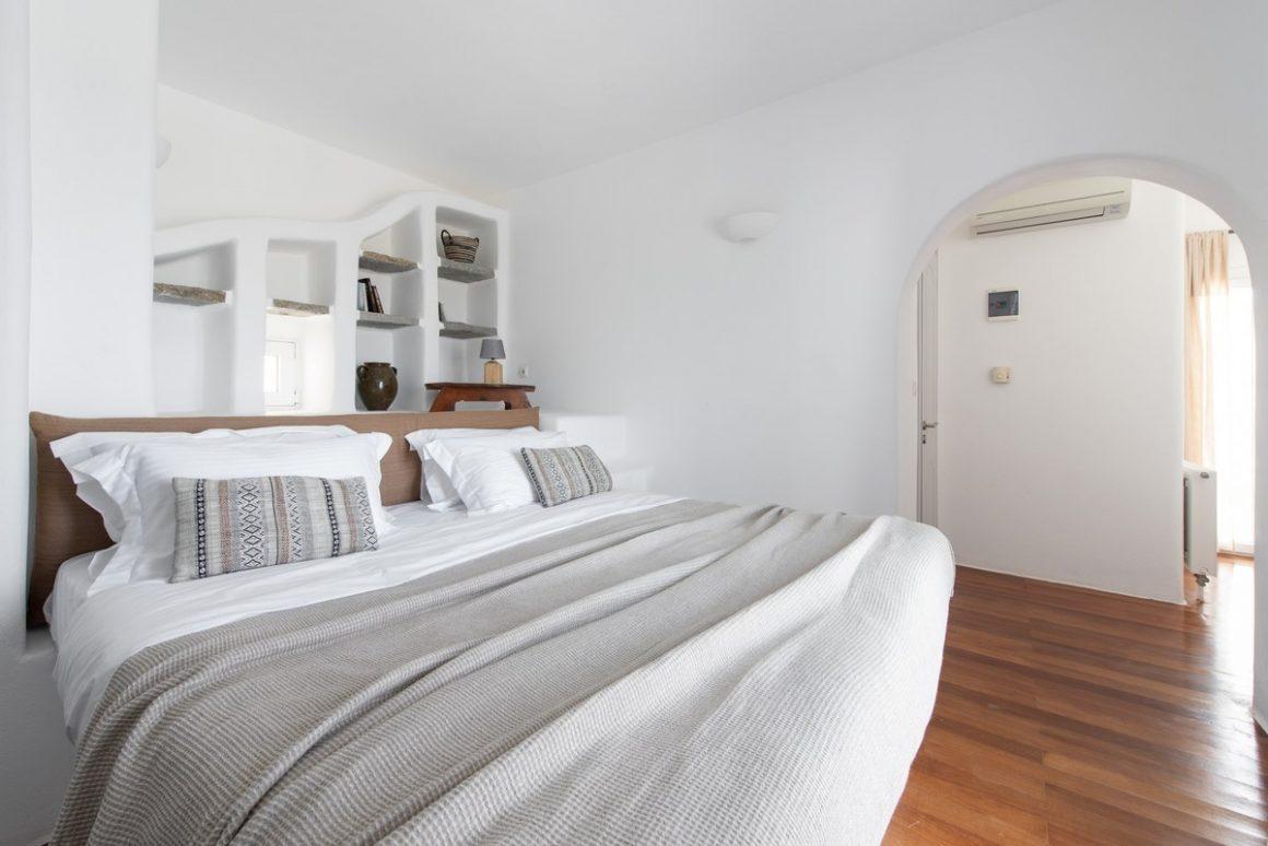 bedroom uper floor.jpg-1200x801
