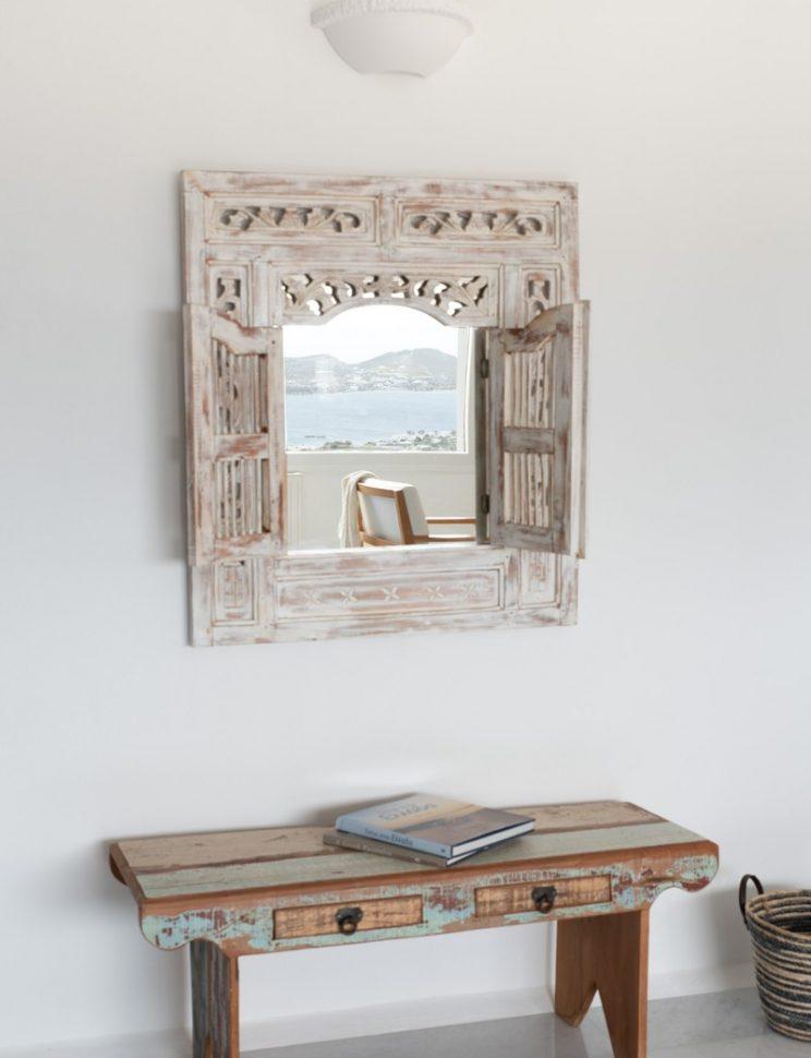second miror corner in the livingroom.jpg-801x1200